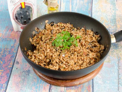 Reis mit getrockneten Tomaten und schwarzen Oliven - Arroz con toates secos y aceitunas negras
