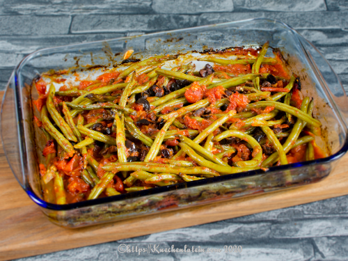 Baked green beans with olives