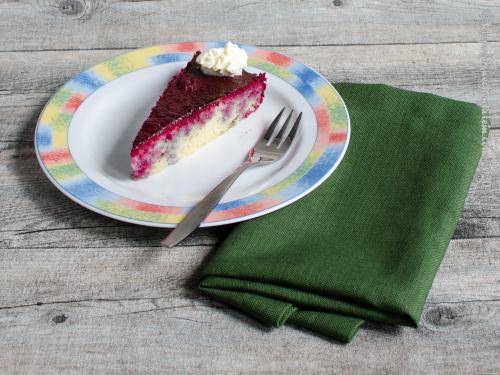 Brombeergetränkter Kuchen