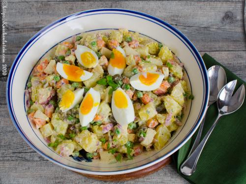 Polnischer Kartoffelsalat - Sałatka ziemniaczana
