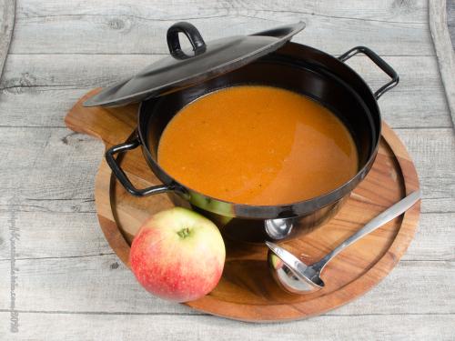 Scharfe Apfelsuppe