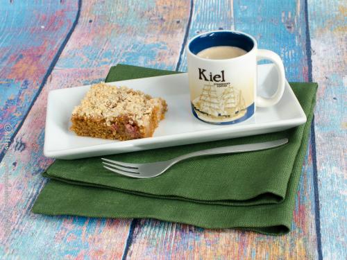 glutenfreier Rhabarber-Blechkuchen