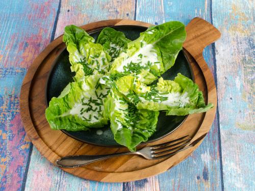 Salat mit friesischem Sahnedressing