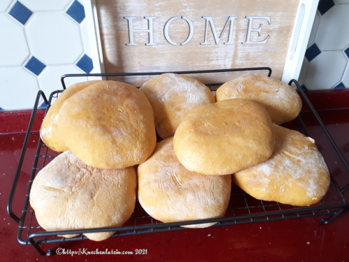Bolo do Caco - Bread Rolls from Madeira